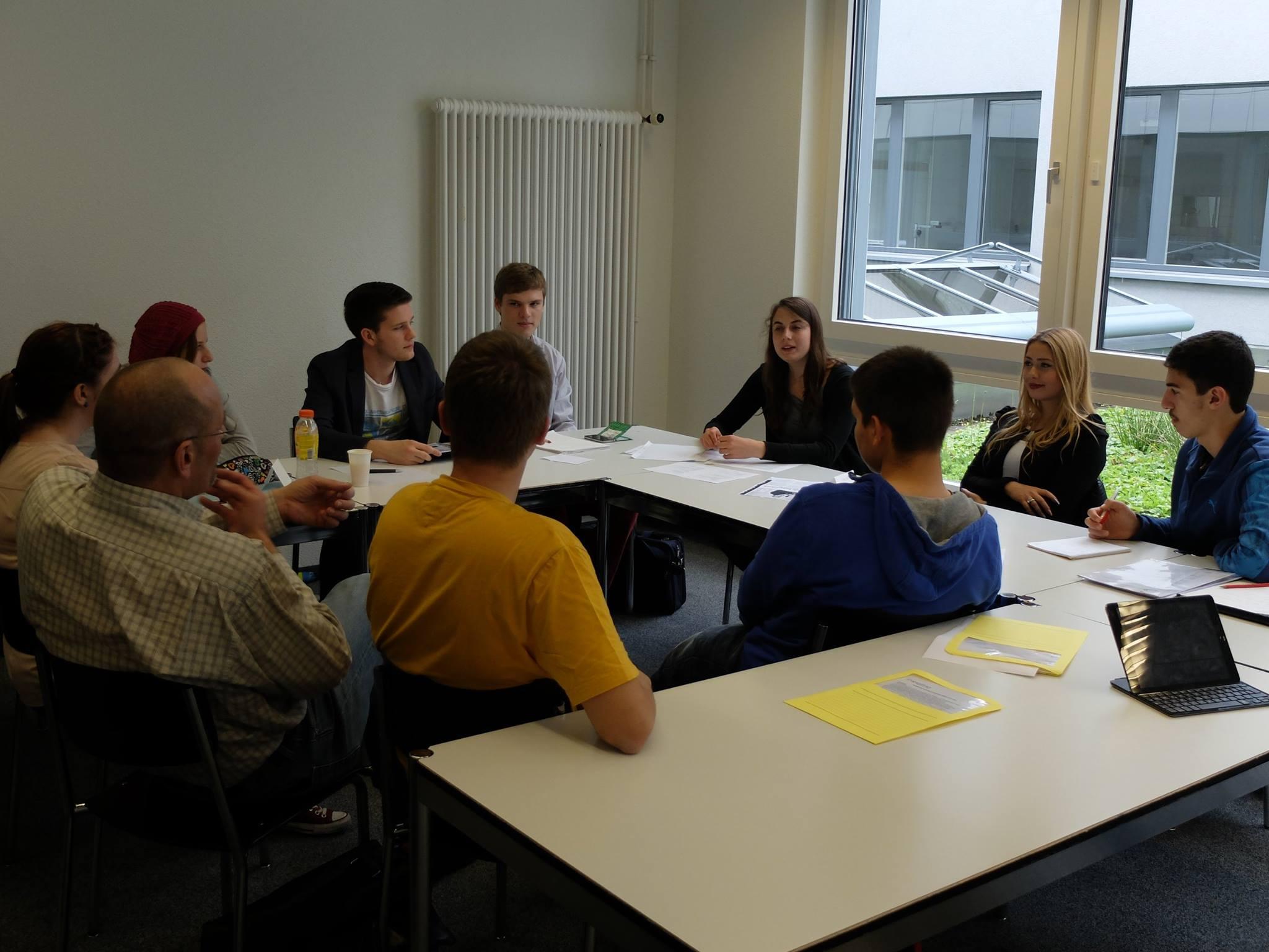 Treffen lokaler Jugendparlamente