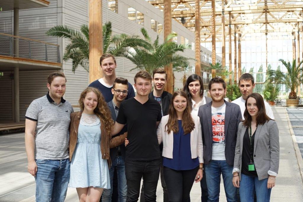 Der Jugendrat Liechtenstein mit dem ehemaligen und neuen Sprecherteam des KiJuRats NRW