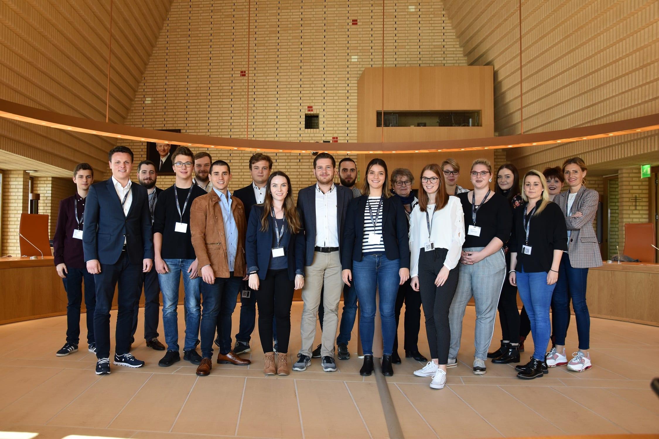 Jugendsession beriet über «Familie und Beruf» sowie «Bildungsfinanzierung»